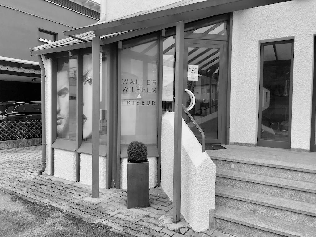 Friseur Wilhelm Salon Eingang Aussenansicht