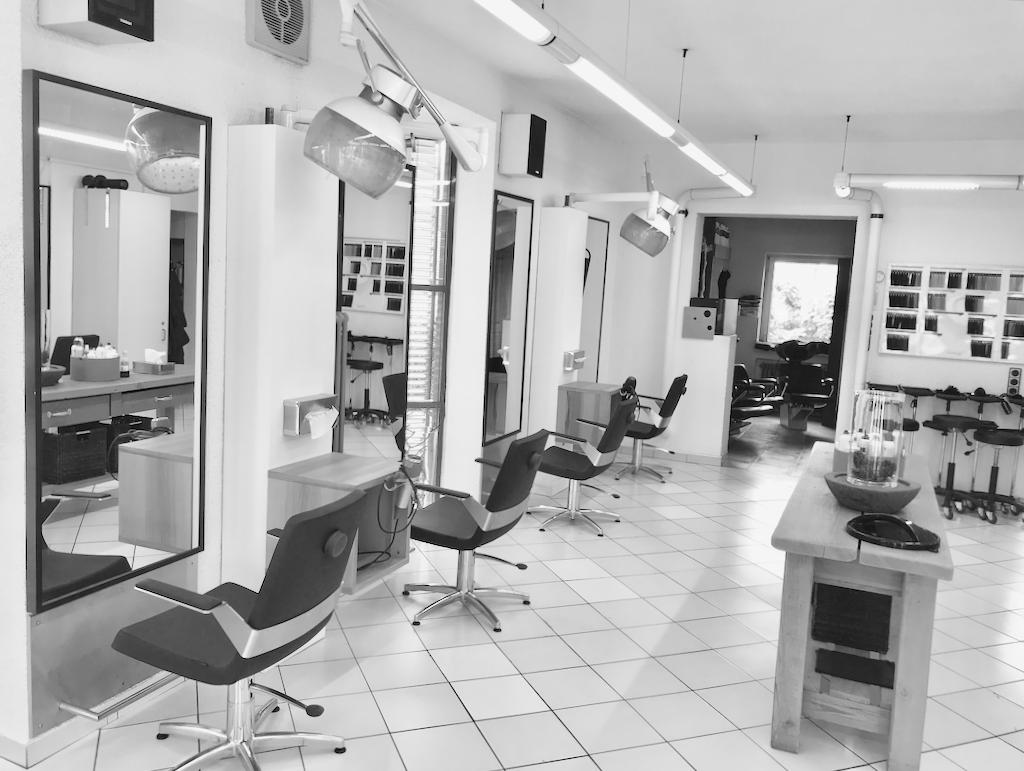 Friseur Wilhelm Salon linke Seite Laden